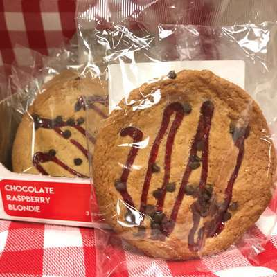 Magic Flavors Chocolate Raspberry Blondie Cookie (master case of 72)