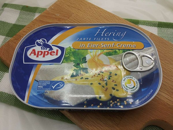 Appel Hering Zarte Filets in Eier-Senf-Creme (Herring Fillets in Egg-Mustard Sauce)