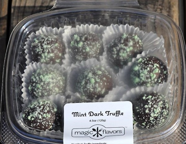 10 Dark Chocolate Mint Truffles by Magic Flavors